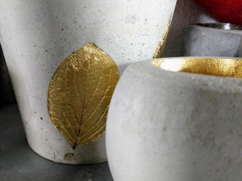 Beton mit Blatt-Gold