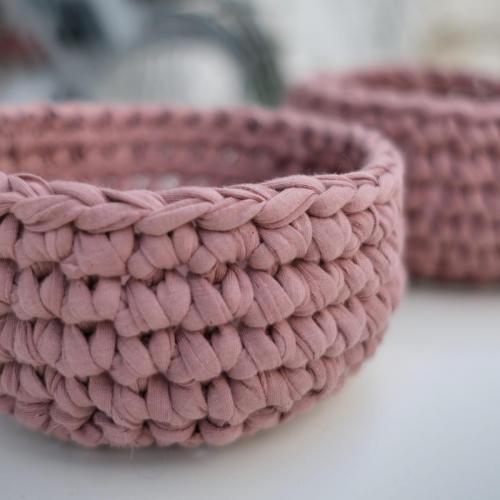 Textilgarn Korb in Alt Rosa