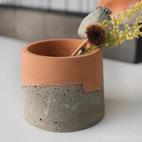 Filzstein - kleine Betonbecher für Trockenblumen, Kerzen, ...